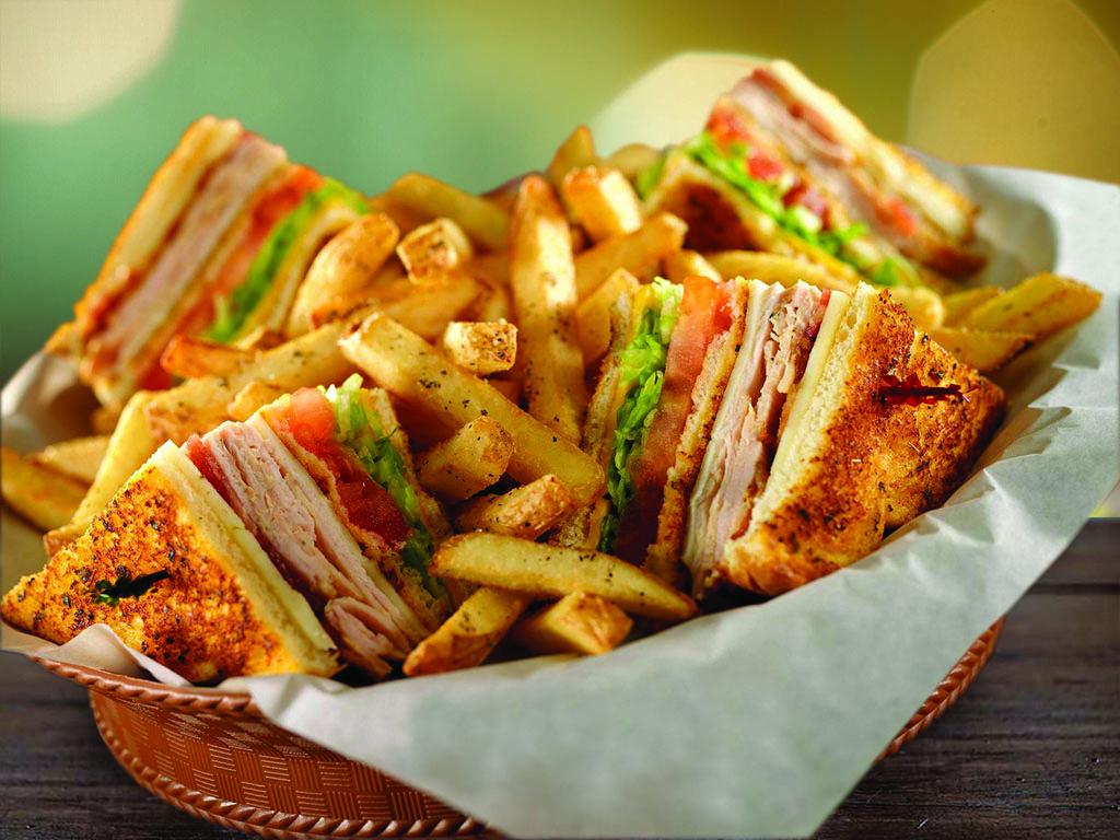 Chili's Sandwiches - Cajun Club Sandwich